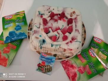 Prăjitura pregătită de Maia