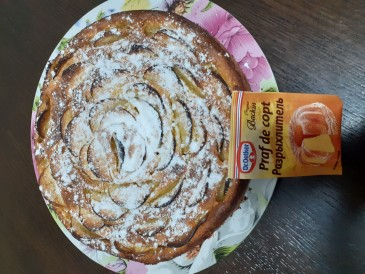 Prăjitura pregătită de Maria